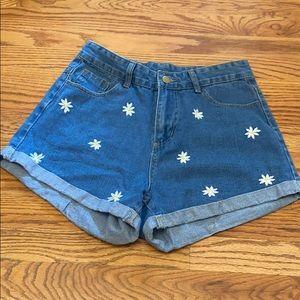 Daisy Embroidery Denim Shorts